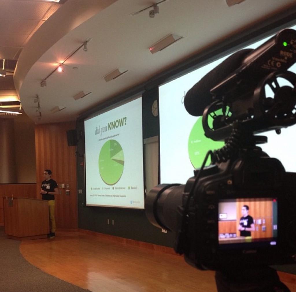Refundo presenting at NJ Tech Meetup